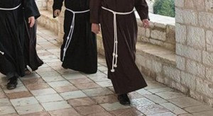 frati- preghiera- convento-20160917100408